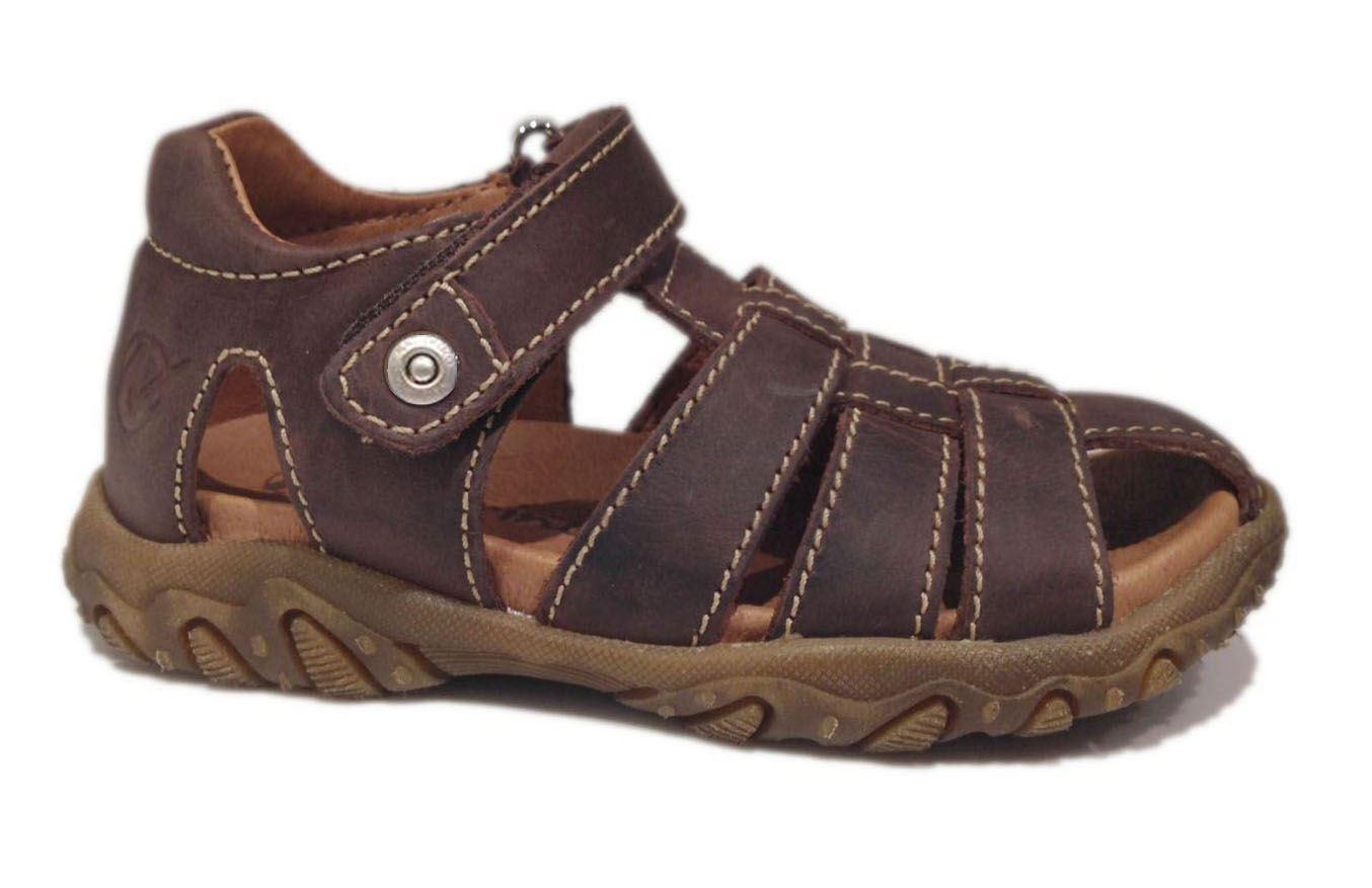 4b19685c6fc3 Naturino brun sandal med lukket hæl i store størrelser.